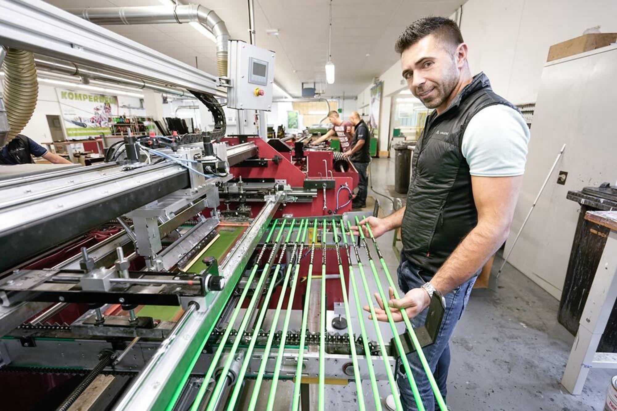 Komperdell stick producion